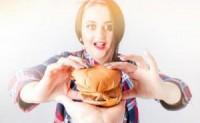 怀孕的妇女饿的时候必须吃东西吗?