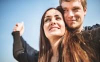 夫妻经常做以下6件事来让他们的婚姻更牢固,生活更幸福