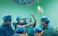 孕妇顺产双胞胎,产后有一个小细节,医生立即安排手术进行抢救
