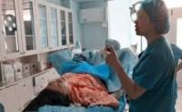 孕妇宫中开八指,不想进入产房,给医生填了一张纸条,医生果断地叫来了警察
